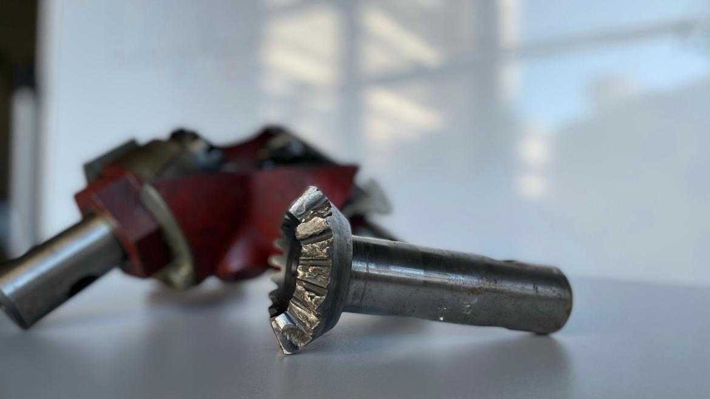Durch die Analyse der fortschreitenden Degradation bei Zahnrädern wird durch intelligente Lastverlagerung im Betrieb die Lebensdauer signifikant verlängert.